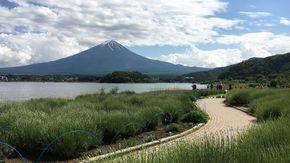 富士山と河口湖を一度に眺められる絶景ロケーション★