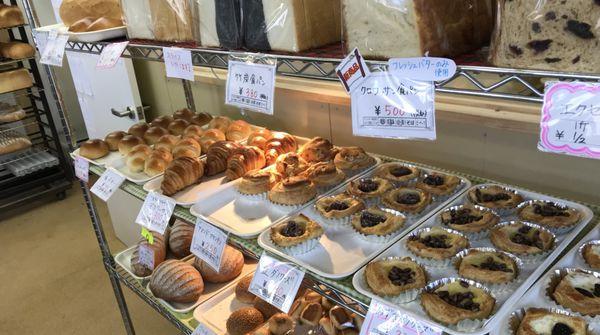 町の小さなパン屋さんと思いきや・・・
