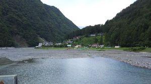 ダム湖は『奈良田湖』