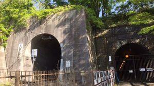 トンネルの反対側