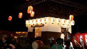 【切子】を奉納するお祭り