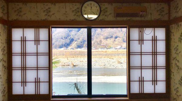 お座敷からは富士川が見えます!