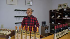 笑顔が素敵な社長さんが家族で作る風土のワイン